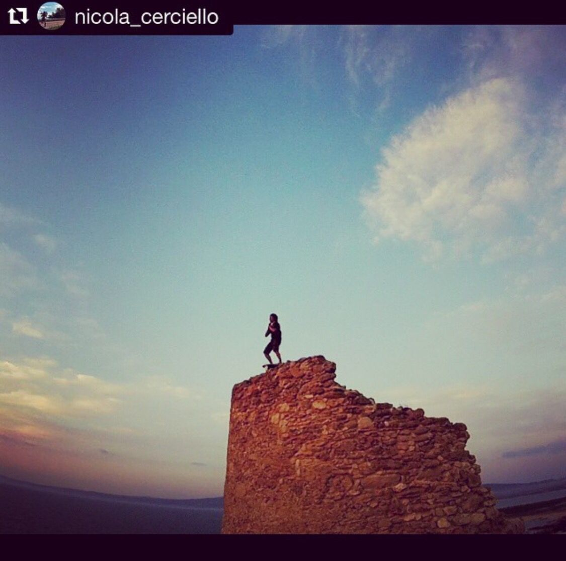 Remember to take some much needed time away from your office chair and onto your #IndoBoard - somewhere outside on a castle wall in Sardina, Italy. Indo Board Master Trainer, Nicola Cercielo, knows the love.✌️Georgette