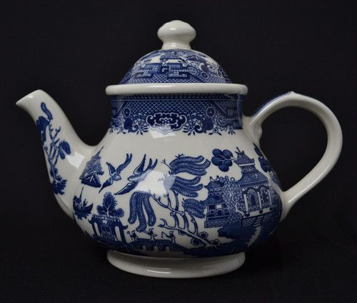 Churchill Blue Willow China Tea Pot Made in England - Displayed not used & Churchill Blue Willow China Tea Pot Made in England - Displayed ...