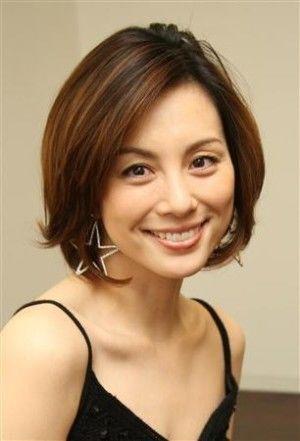 米倉涼子 前髪なしのストレート前下がりボブ 40代 髪型 若く