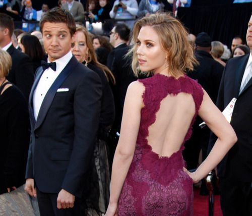 Jeremy Renner and Scarlett Johansson.  That look on his face!  I love Jeremy's multiple facial expressions. :)