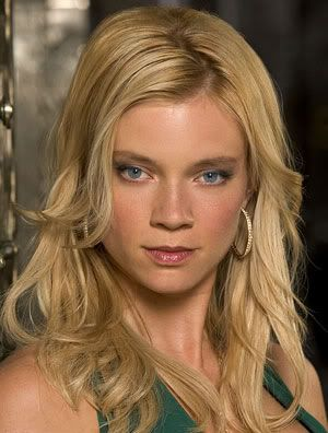 How The Author Imagines Daphne Greengrass Amy Smart Smart Hairstyles Women With Freckles