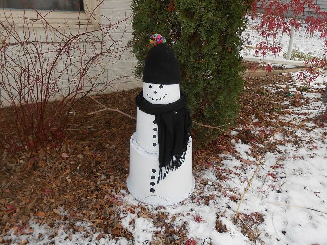 How To Make A Outdoor Snowman Using Plastic Nursery Pots Outdoor