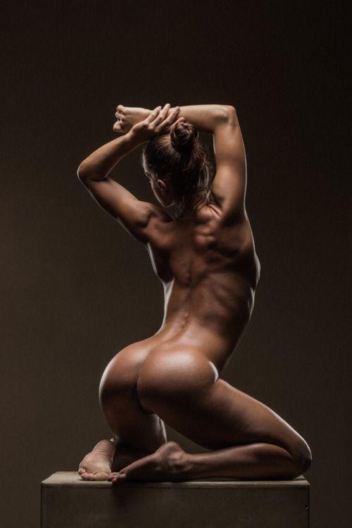 эротическое фото девушек спортивного телосложения - 4