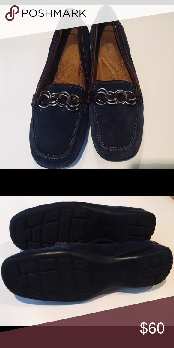 Naturalizer Navy Blue suede shoes W