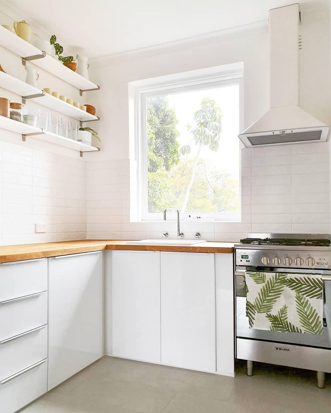 White and oak Ikea kitchen | Ikea kitchen, Kitchen ...