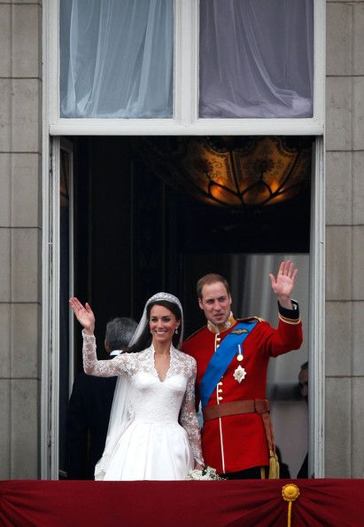 Prince William In Royal Wedding The Newlyweds Greet