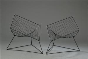 Vara: 4266038Niels Gammelgaard for Ikea. To lænestole af sortlakeret stål, model Oti (2)