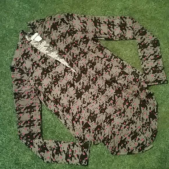 Delia's Knit Cardigan Preowned Delia's Knit Cardigan in good condition! Long sleeves. Delia's  Sweaters Cardigans