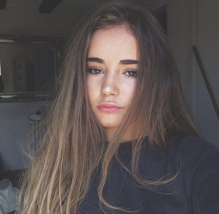 Teen tumblr selfie Miley Cyrus