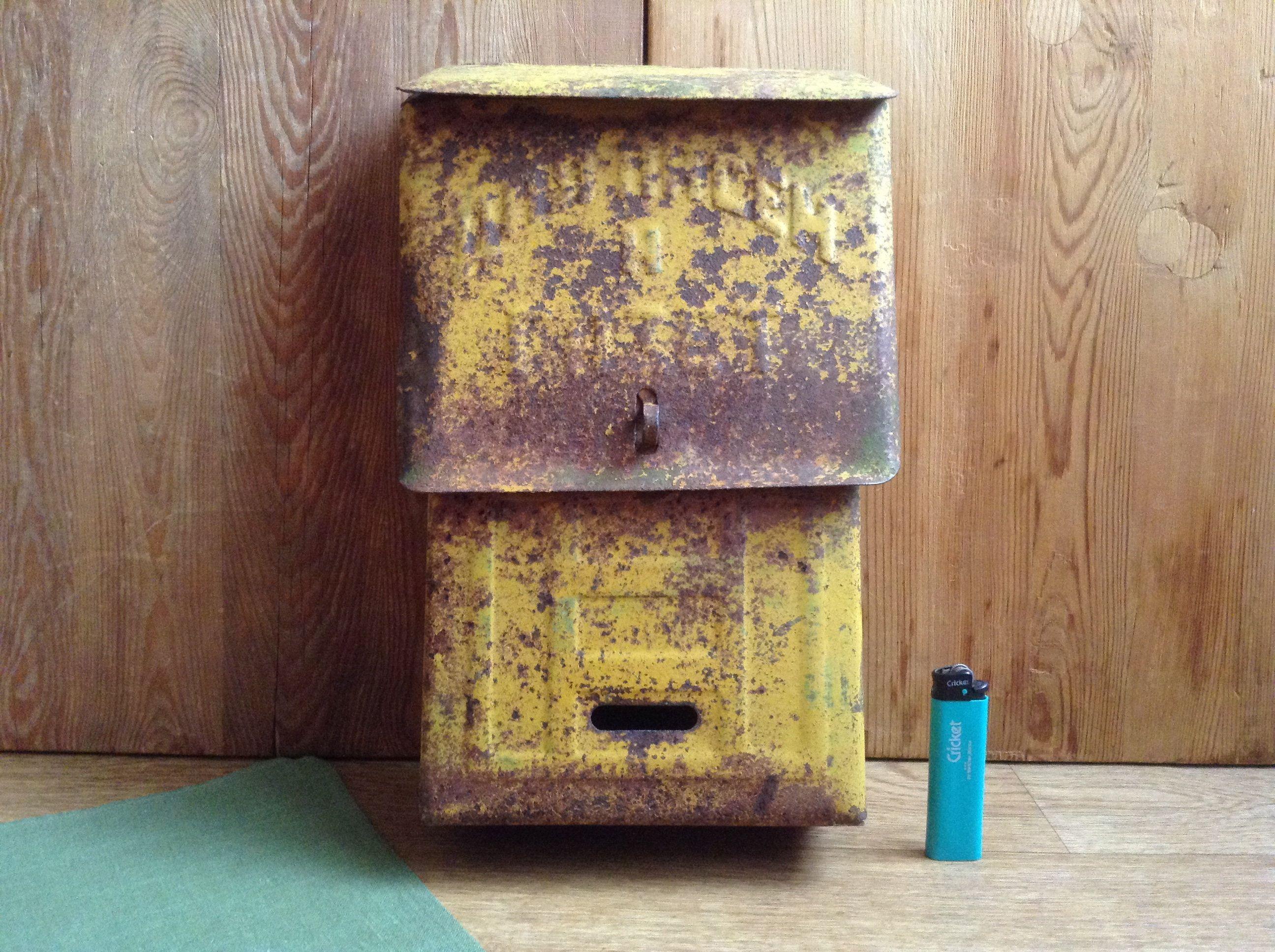 Vintage Bright Yellow Rusty Mailbox 60s Original Old Mailbox Locking Metal Letterbox Soviet Rustic Storage Metal Post Box Wedding Decor V 2020 G