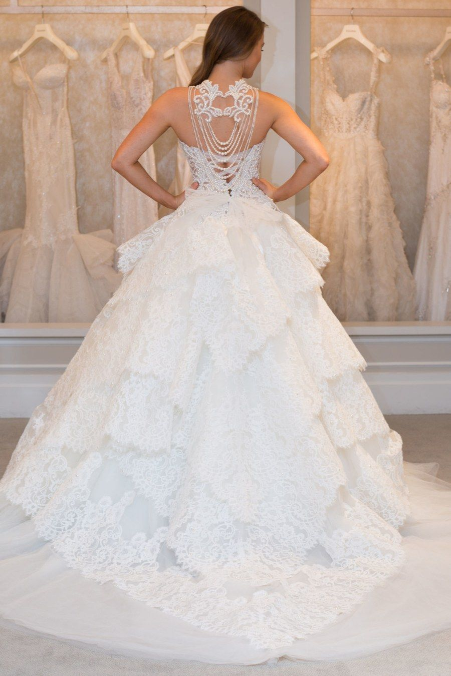 New Pnina Tornai Wedding Dresses See A Real Bride Model 6 Hot Off The Runway Gowns Glamour Ball Gown Wedding Dress Wedding Dresses Wedding Dresses Taffeta