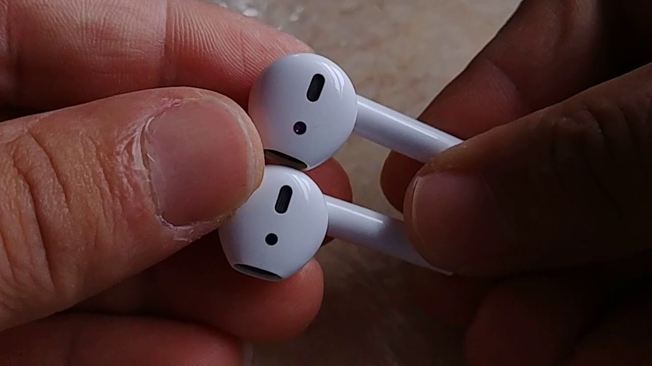 i10 TWS versus Apple Airpods (physical features comparison ... 6f7580f0f5a0