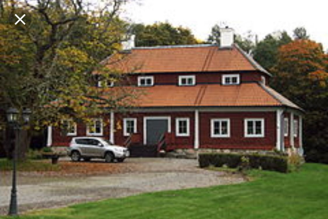 Pin By Emily Smith On Garages Hip Roof Gable Roof Design Roof Styles