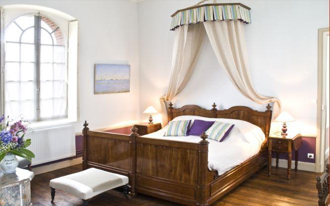 Chateau De Bonnemare Du 16eme Siecle Avec 3 Suites Et 1 Chambre Proche De Giverny En Normandie Interieurs Francais Chambre Chambre D Hote