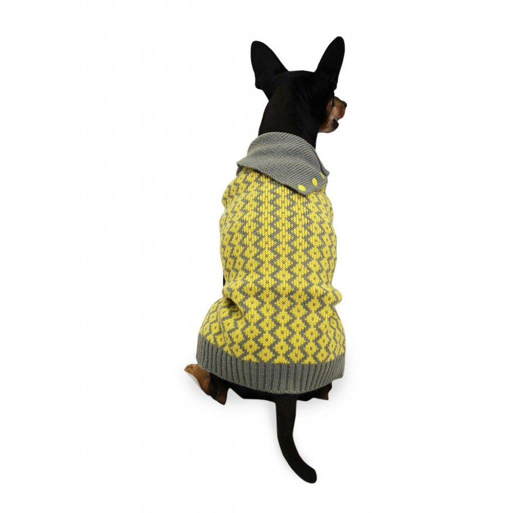 Pehmeä ja tyylikäs Basic Oblique -neule lämmittää koiraasi kolealla kelillä. / Soft and stylish Basic Oblique sweater keeps your dog warm in chilly weather.