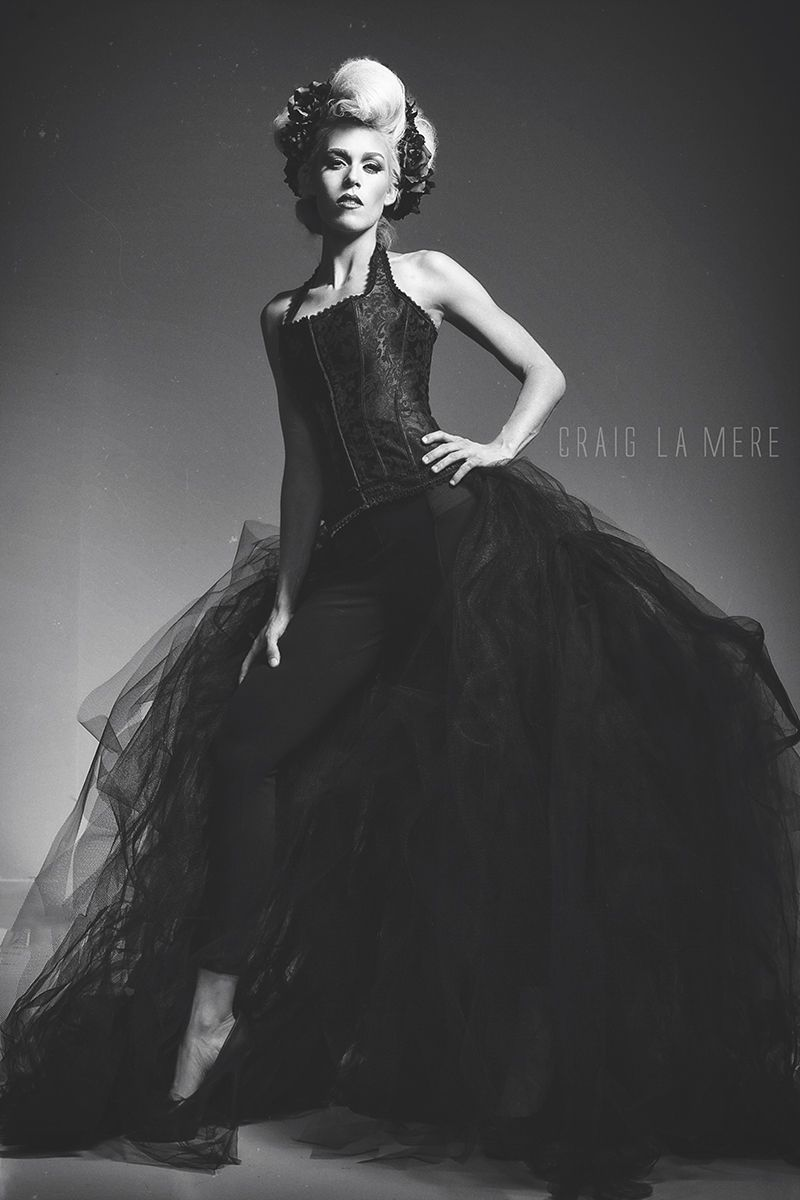 Shoot Photography Workshops: Studio Couture Black And White Fashion Portrait Shoot With