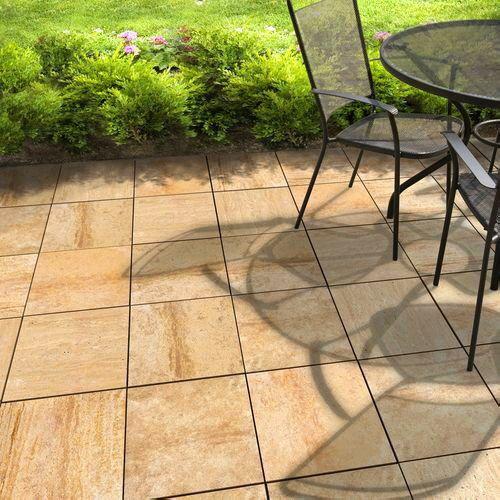 Terrasse mit Belag ausTravertin Natursteinplatten - Anwendungsbild ...