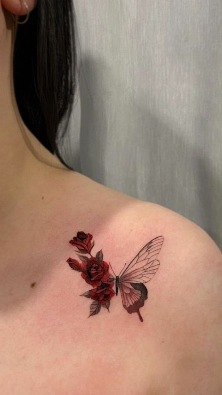 Tatuagem feminina de borboleta significado