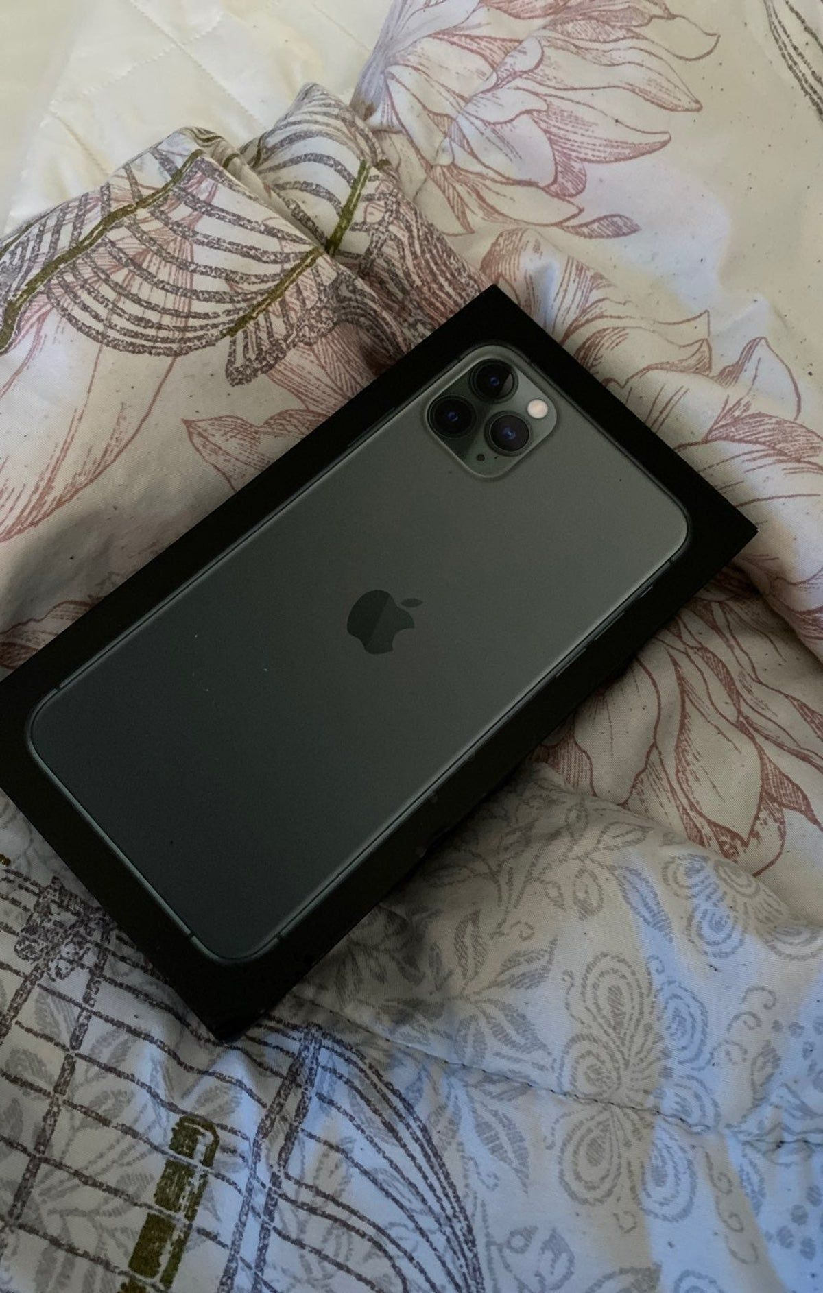 Iphone 11 Pro Max Midnight Green 64 Gb V In 2020 Iphone Apple Smartphone Apple Watch Iphone
