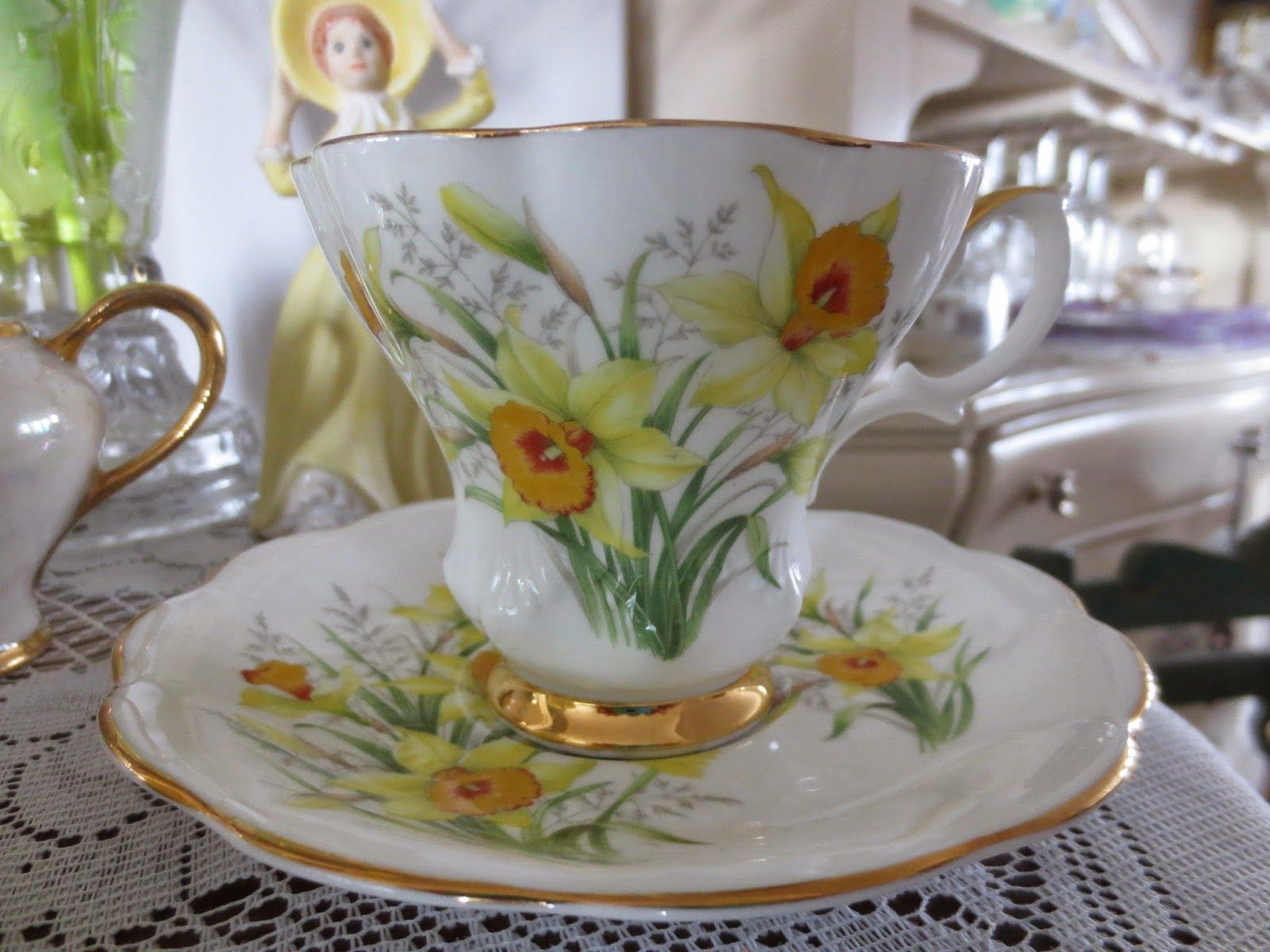 Karen's Cottage and Castle: A Friendship and Daffodil Tea
