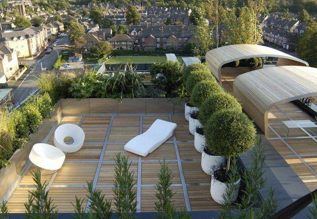 Balkongestaltung bambus bodenbelag b ume sonnenliege terrasse balkon terrasse und dachterrasse - Dachterrasse bodenbelag ...