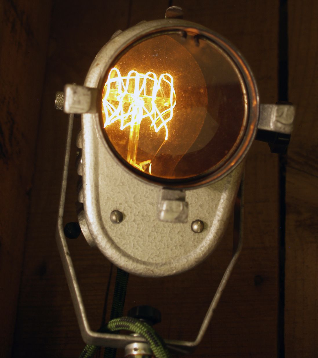 Upcycling Lamp, Retro Theater Focus From The 60´s (With