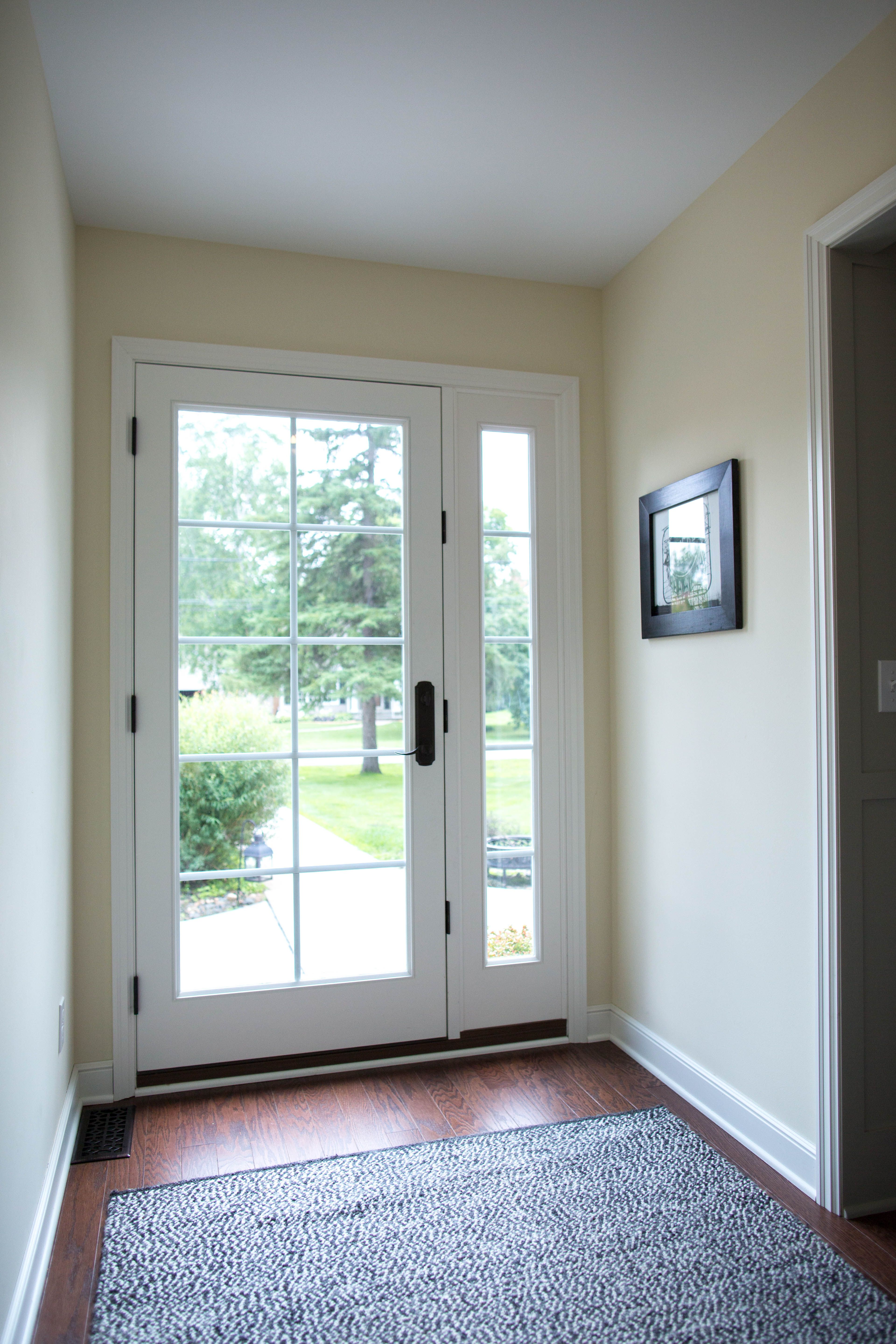 Exterior Doors Let The Sunshine In With A Full Lite Glass And Matching Sidelight This One Exterior Doors With Glass Full Glass Front Door Glass Front Door