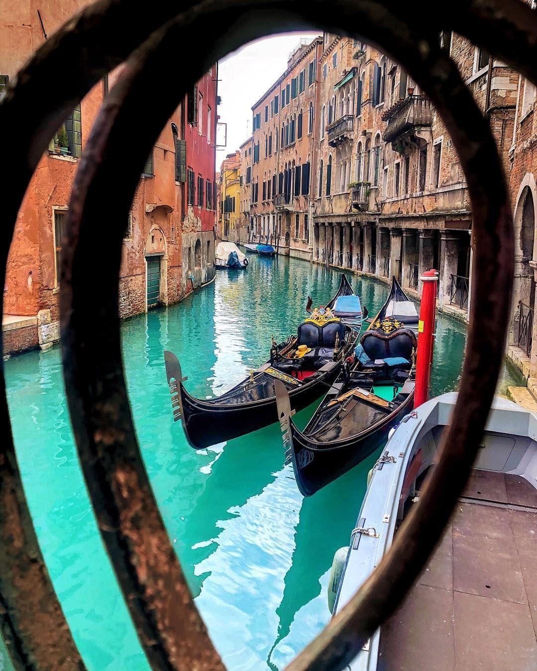 adidas en venecia italia