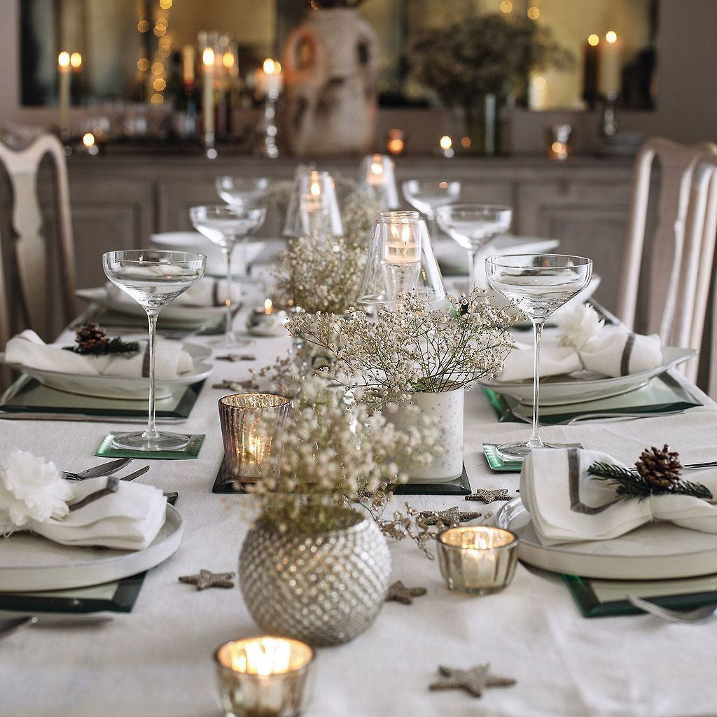 White Christmas Decoration Ideas 4 Christmas Table Decorations Christmas Dining Decor Christmas Table
