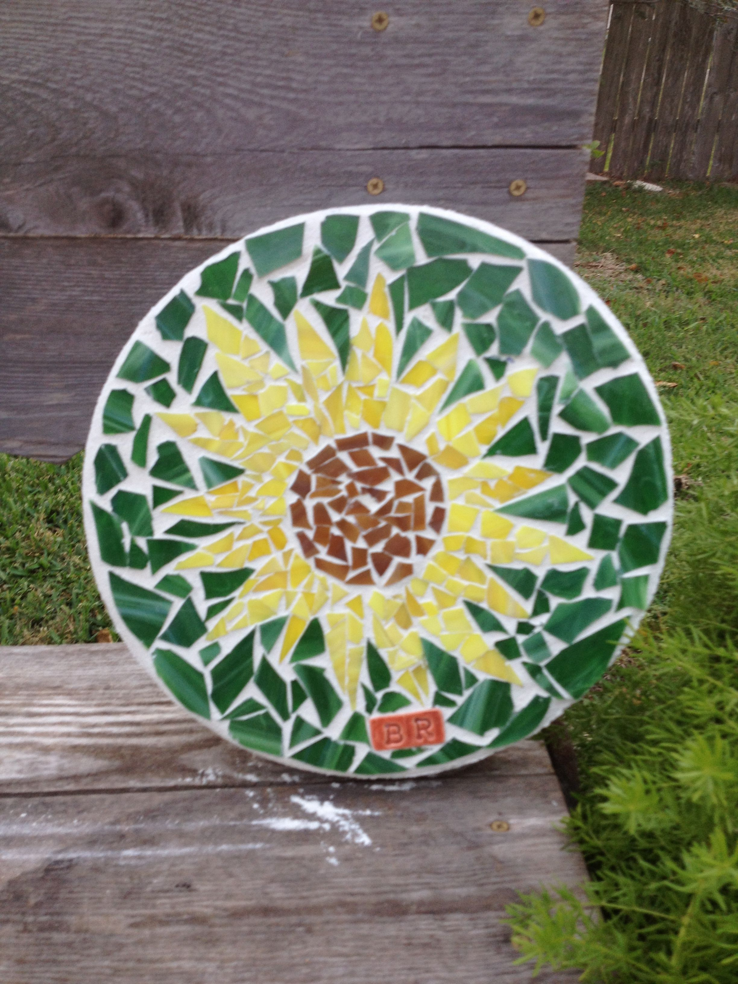 12 Inch Round Mosaic Stepping Stone By Brenda Rose Edna Texas Sunflower Mosaic Garden Art Mosaic Stepping Stone Mosaic Art