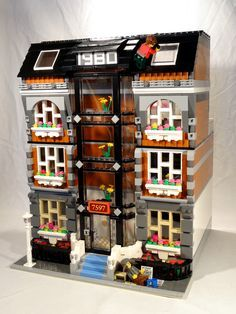 Lego Modular MOC: Fancy Suites | The Bearded Nerd