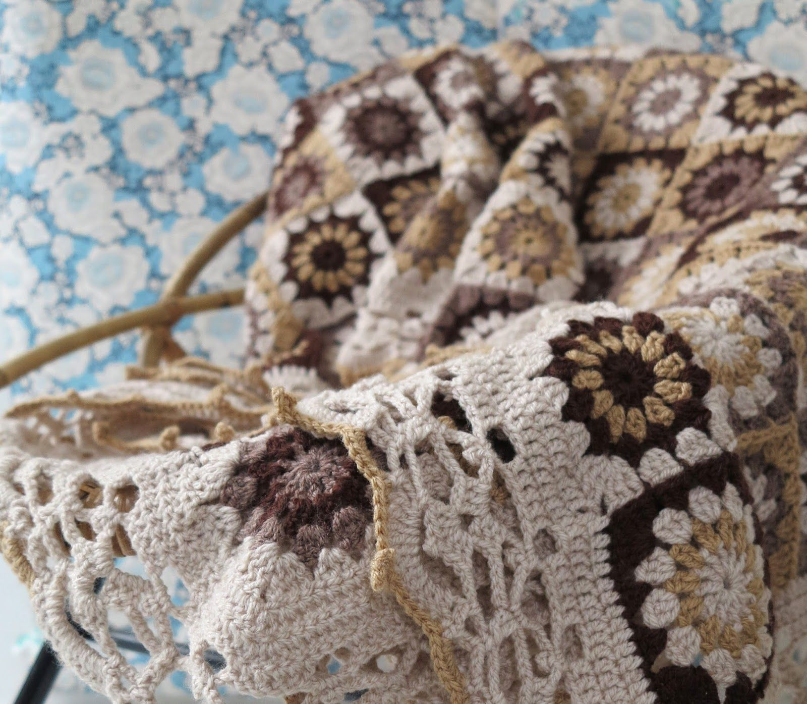 Granny flower square, free pattern with chart - by Haafner   Crochet ...