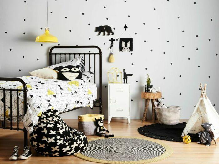 kinderzimmer skandinavisch einrichten metallbett kindertapete - Gestalten Rosa Kinderzimmer Kleine Prinzessin
