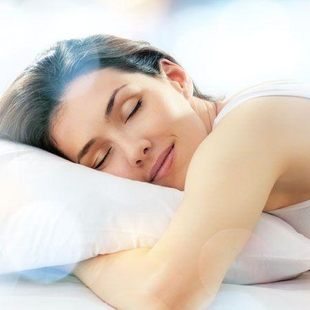 « Par l'hypnose… je retrouve un sommeil profond » comprend des suggestions hypnotiques (s'adressant au subconscient) rédigées par des professionnelles de l'hypnose certifiées. Il vous apportera une transformation intérieure tout en douceur et permanente par une reprogrammation vers le lâcher-prise et la détente.