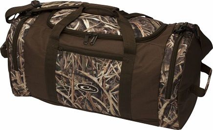 #Drake Duffle Bags are built to travel whether for a camping weekend or a cross-country hunt. https://saffordsportinggoods.com/shop/outdoor-gear-and-recreation/duffels/drake-duffle-bag-large-30-14-15/
