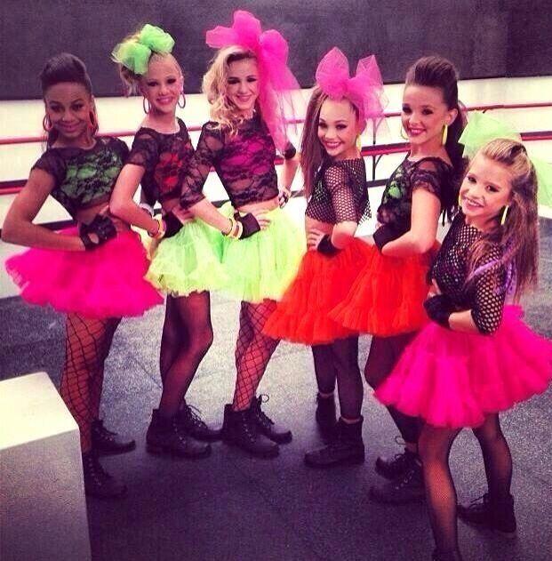 Nia, Paige, Chloe, Maddie, Kendall, and Mackenzie