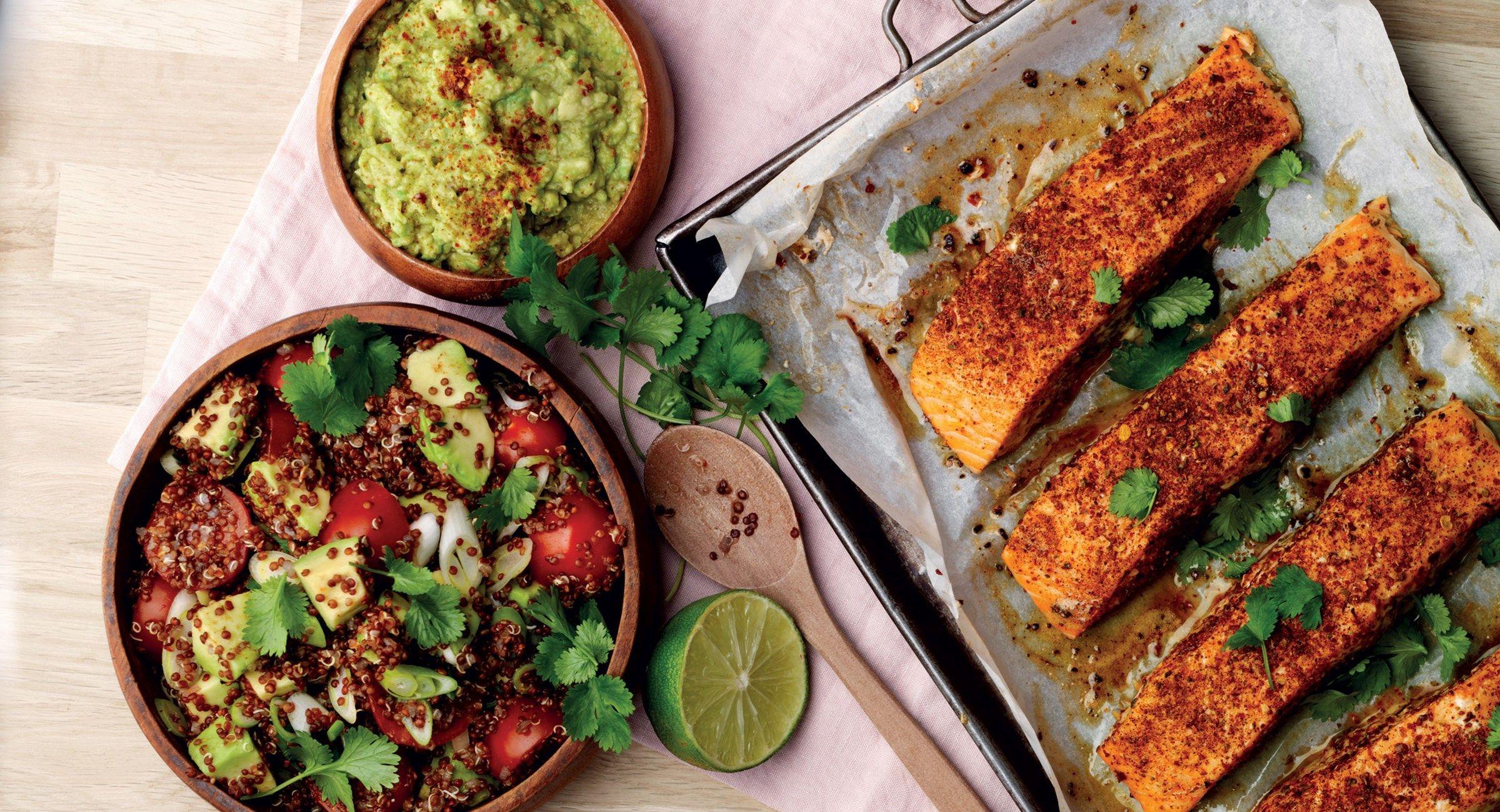 Perulainen lohi kvinoan kera