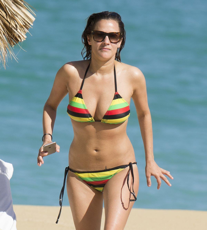 Amanda Peet im Bikini - Bilder - Jolie