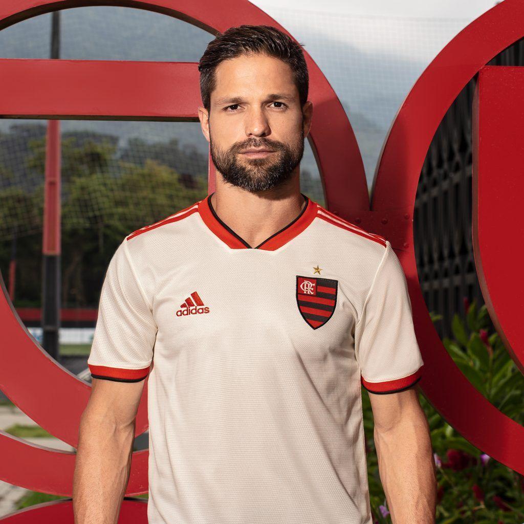 Uol Esporte Flamengo Lanca Nova Camisa 2 E Estreia Na Proxima Quinta Feira Diego Flamengo Camisa Do Flamengo Flamengo