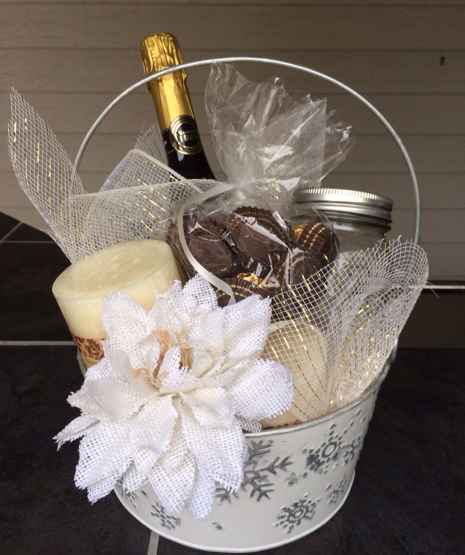 Wedding Party Gift Baskets: Bridal Gift Basket Champagne, Chocolates And Candles
