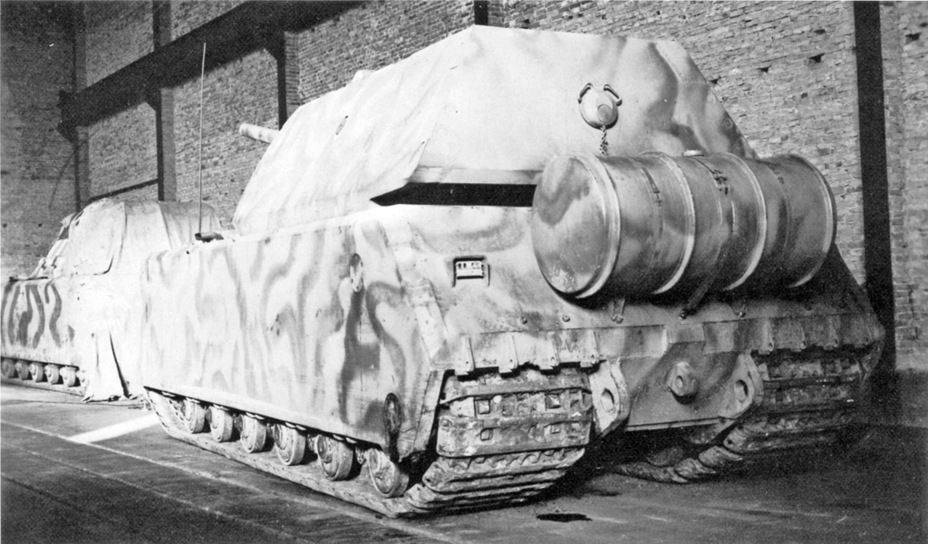 """Last """"lifetime"""" Photo prototypes Pz.Kpfw.VIII Maus. It is made in a warehouse of the railway station Ruhleben in January 1945 - superheavy trophy"""
