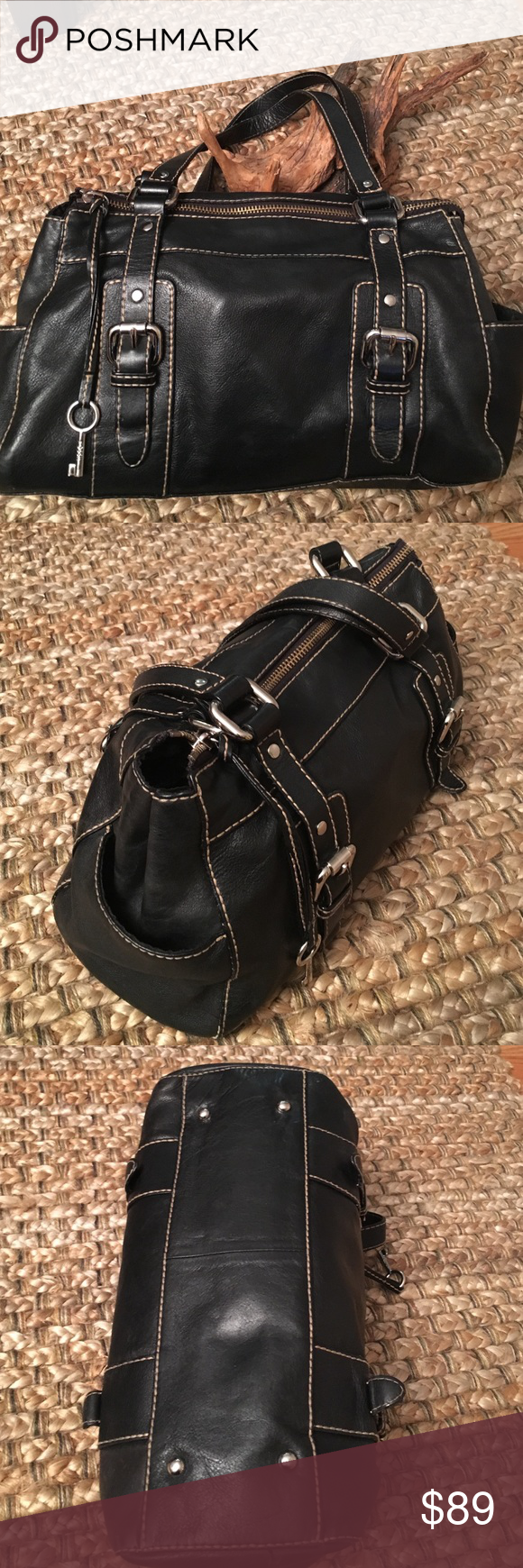 Fossil bag Gorgeous genuine leather Fossil bag, Preowned , in very good condition . Clean interior, 3 pockets inside, Fossil Bags Shoulder Bags