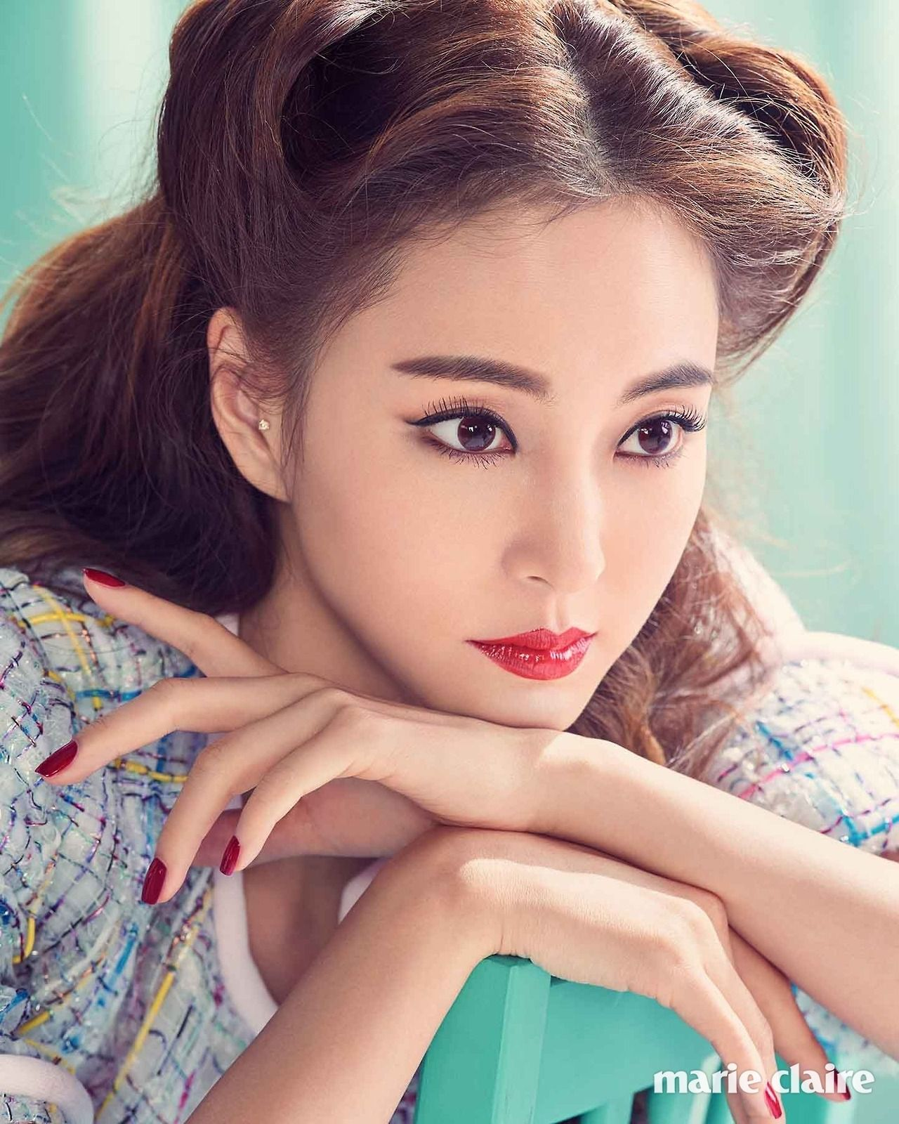 Korean Model and Actress Han Ye-Seul is Gorgeous - Sexiest