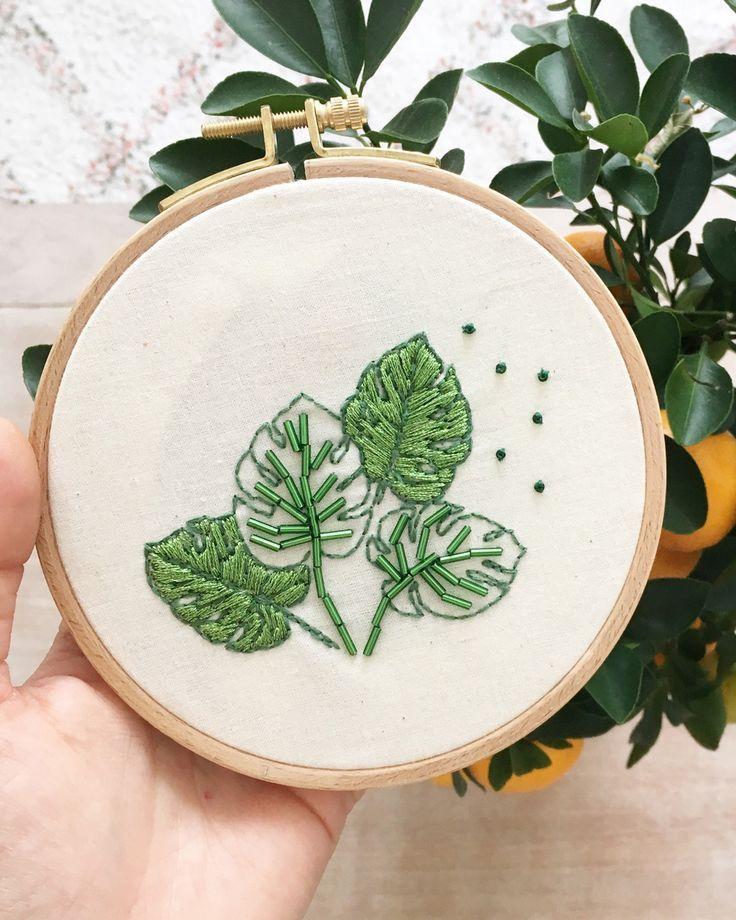 Décorez avec la feuille de monstera | Secouez mon blog   – embroidery hoop art