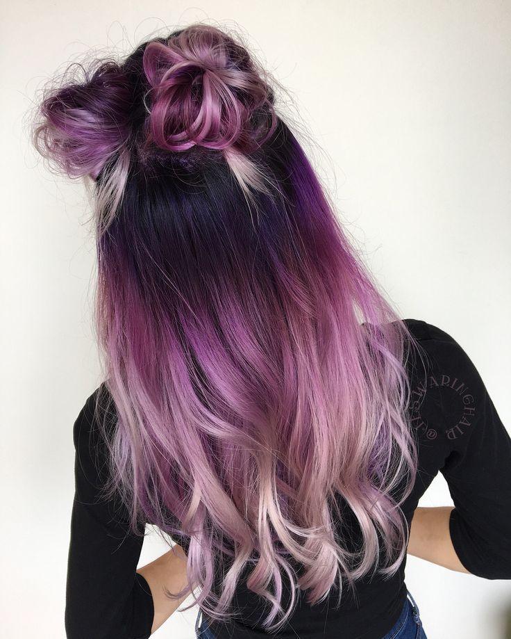Lebendige Farben schmelzen unter Verwendung von Zellstoffaufruhr von schwarz zu lila rosa und weißem Haar #shadesofwhite