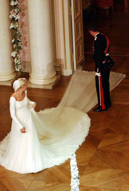 12 Years Of Royal Wedding Dresses | Royal wedding dress, Royal ...
