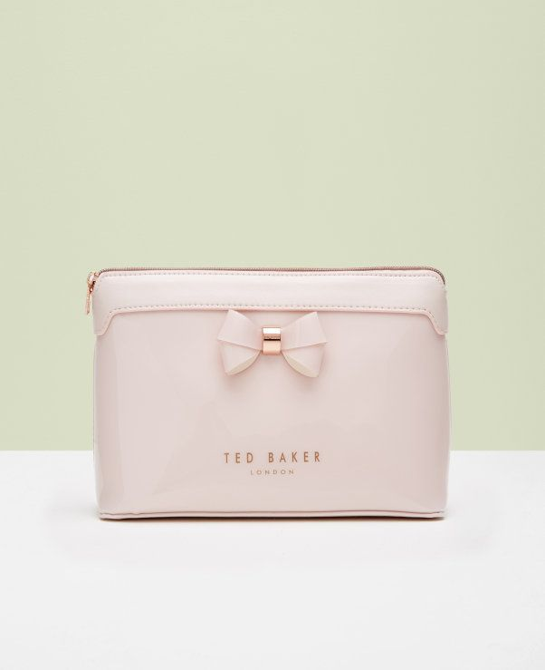 6ed28bb3b00 Layered bow wash bag | Gift ideas in 2019 | Wash bags, Bags, Ted ...