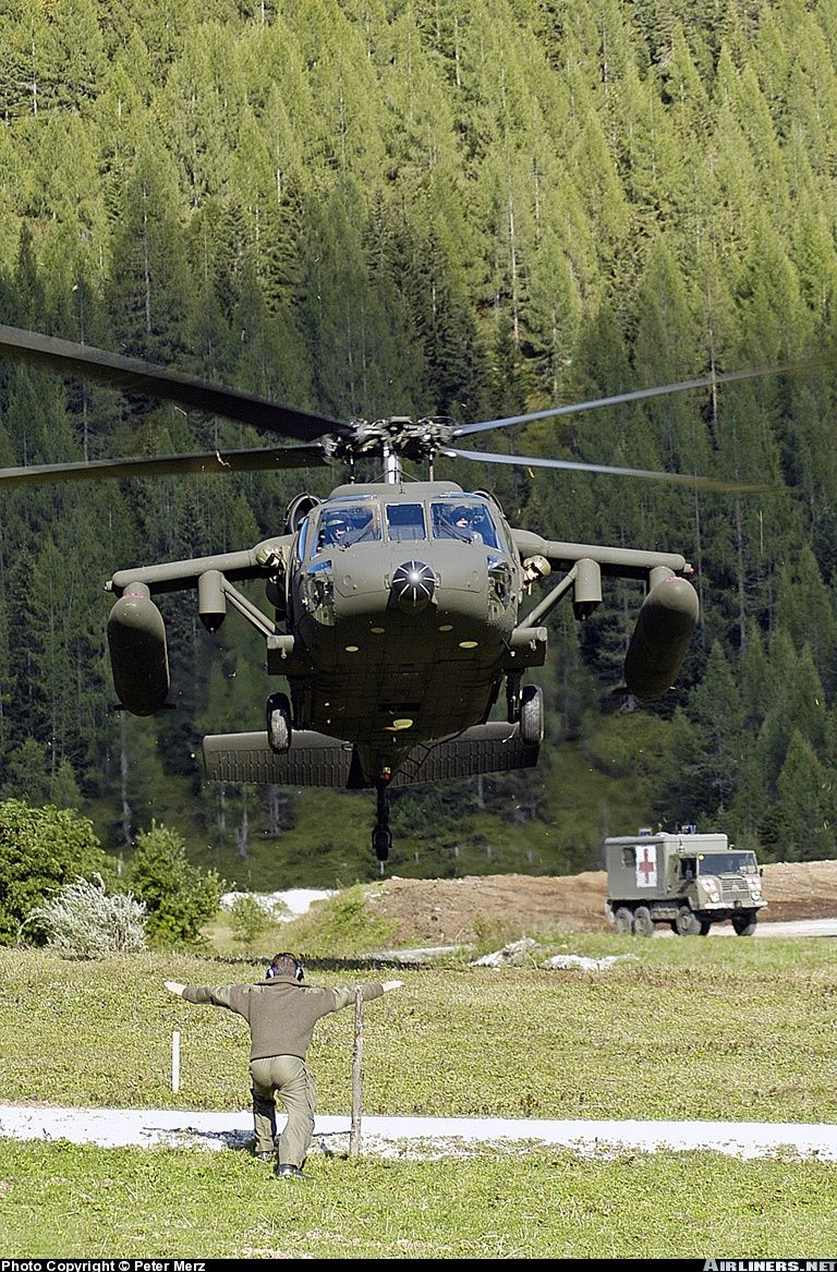 Elicottero D Attacco Cinese : S a black hawk Австрия helicopters pinterest