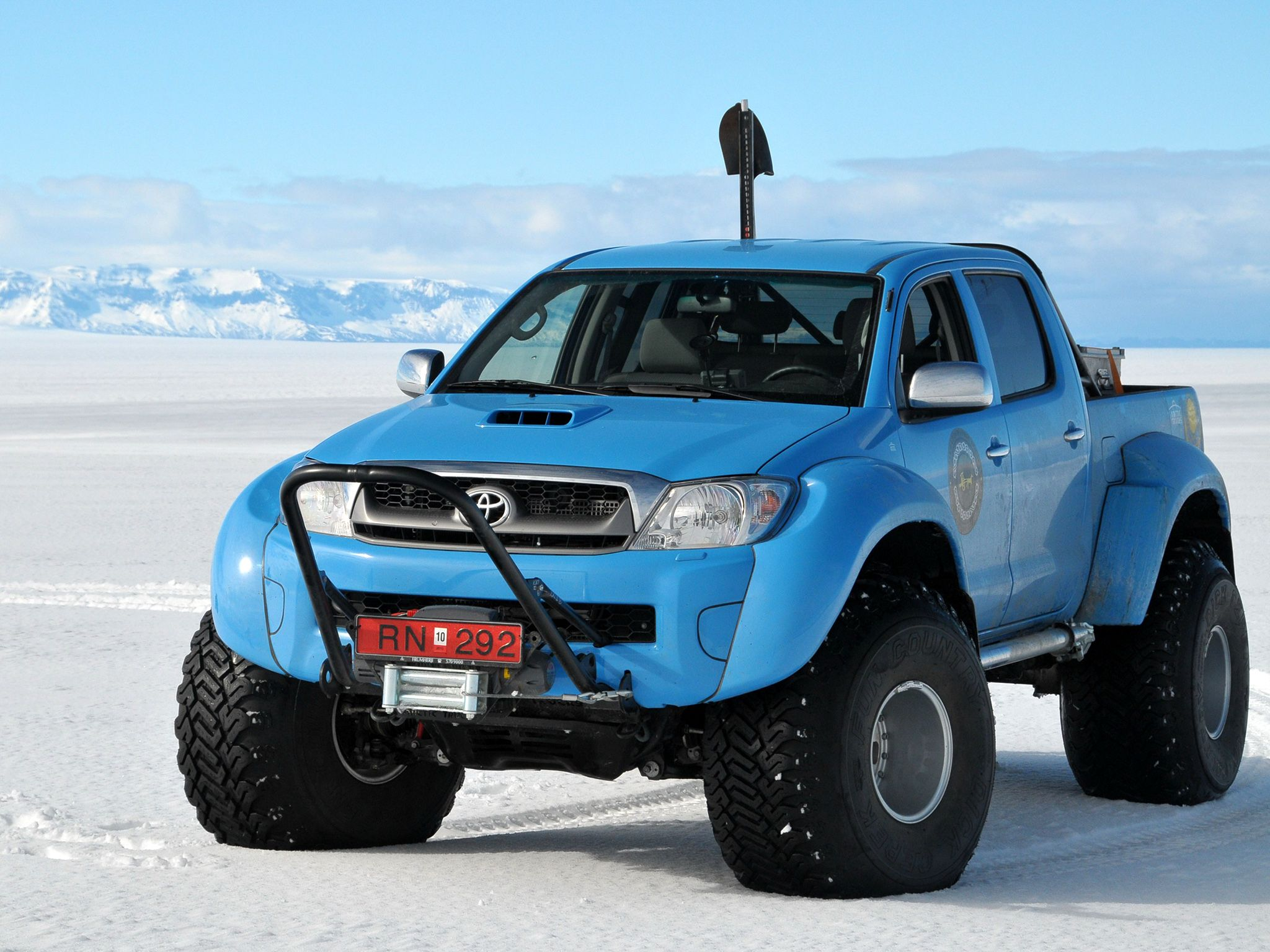 toyota hilux arctic truck rc cars pinterest trucks toyota hilux and pictures. Black Bedroom Furniture Sets. Home Design Ideas