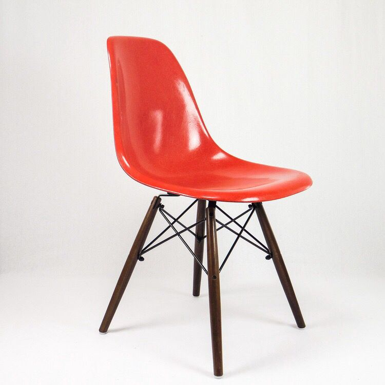 This beautiful #eames #hermanmiller #vintage #purered is on sale at www.epoqstore.com !